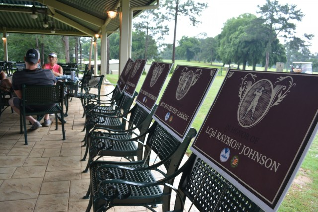 FORT BENNING, Ga. (June 8, 2018) - Fort Benning Survivor Outreach Services hosted a Gold Star Fathers Golf Scramble and Barbecue Cookout June 2, 2018, to demonstrate the Army's continued support to Family members who have lost a service member in the line of duty. (U.S. Army photo by Bryan Gatchell, Maneuver Center of Excellence, Fort Benning Public Affairs)