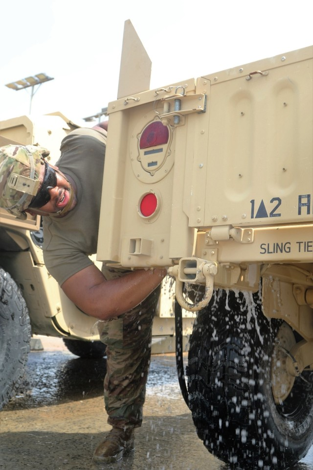 HMMWV cleaning