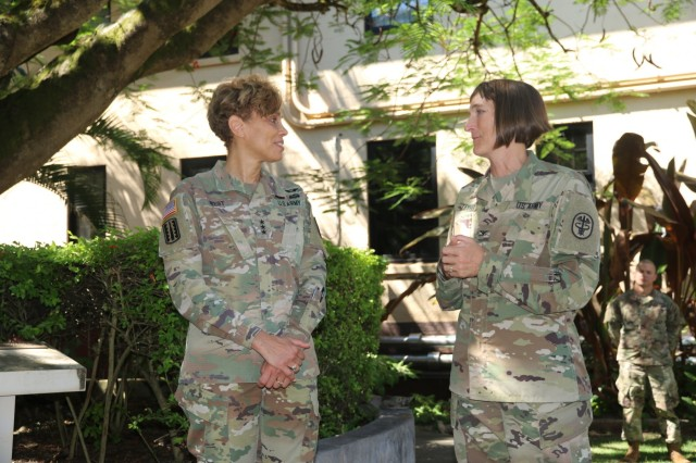 SCHOFIELD BARRACKS, Hawaii (June 20, 2018) -- The Army Surgeon General and U.S. Army Medical Command (MEDCOM) Commanding General, Lt. Gen. Nadja West (left) spoke U.S. Army Health Clinic-Schofield Barracks Commander, Col. Deydre Teyhen to discuss medical readiness in support of the warfighter. (Photo credit: SPC Tyler Jones, U.S. Army Health Clinic-Schofield Barracks)