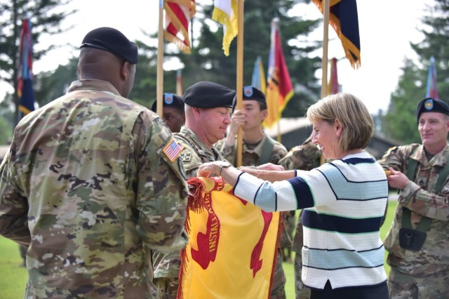 Casing of the USAG Camp Red Cloud colors