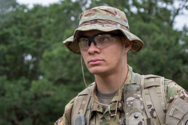 2-158th conducts personnel recovery training
