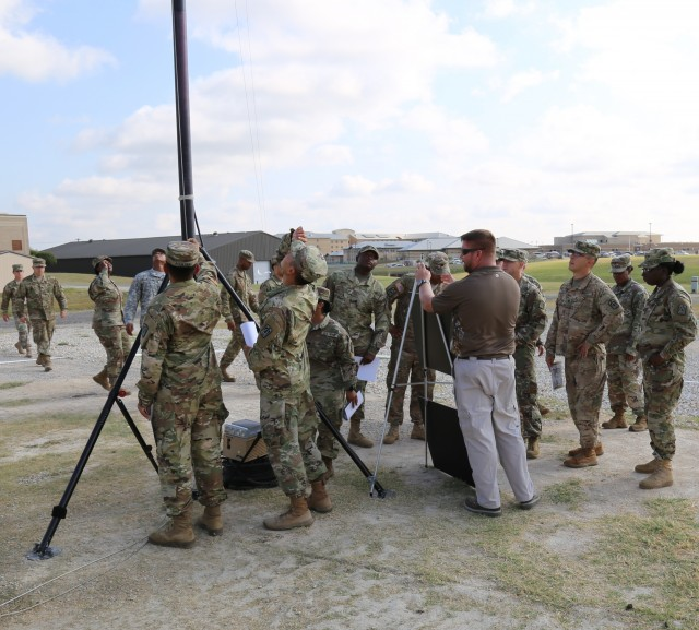 Army fields first unit with TRILOS radio