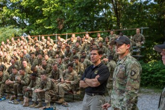 Secretary Esper shares Army Vision in visit to 101st Airborne