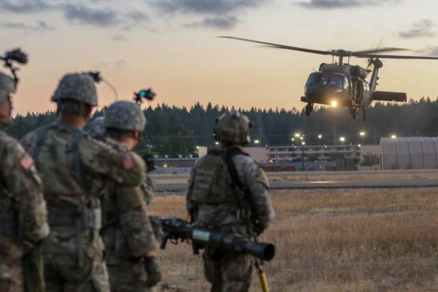 2-158th AHB night assault training