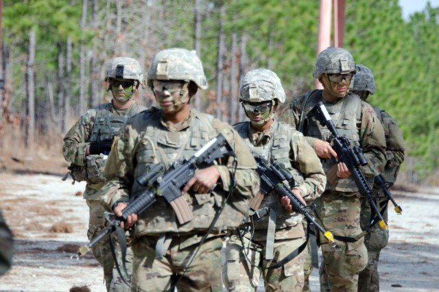 Marines see how the Army puts combat in basic training