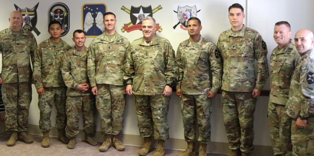 Milley Recognizes Bayonet Soldiers