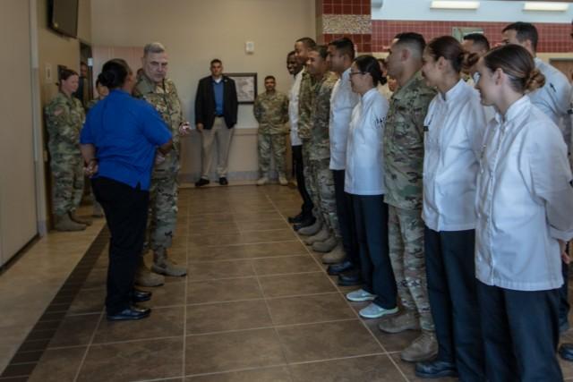 U.S. Army Chief of Staff visits Raptor's Nest DFAC