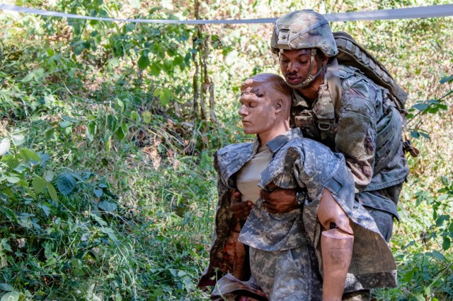 Spc. Jakari Ford, with 1-229 Attack Reconnaissance Battalion, 16th Combat Aviation Brigade, competes for the Regional Health Command-Pacific Best Medic competition at Joint Base Lewis-McChord, Wash., August 7, 2018. The competition brought the best medics across the Pacific Region - Washington, Hawaii, Alaska, Japan and Korea. (U.S. Army photo by Staff Sgt. Maricris C. McLane)