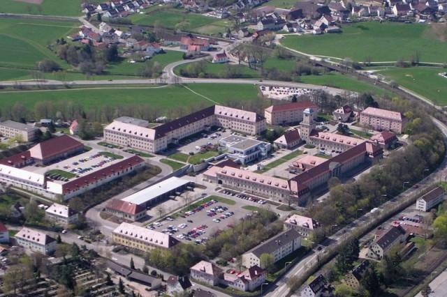 Reinhardt-Kaserne in Ellwangen, a former Bundeswehr post, is still the home of the federal language school, the Sprachenzentrum Süd of the Bundessprachenamt.