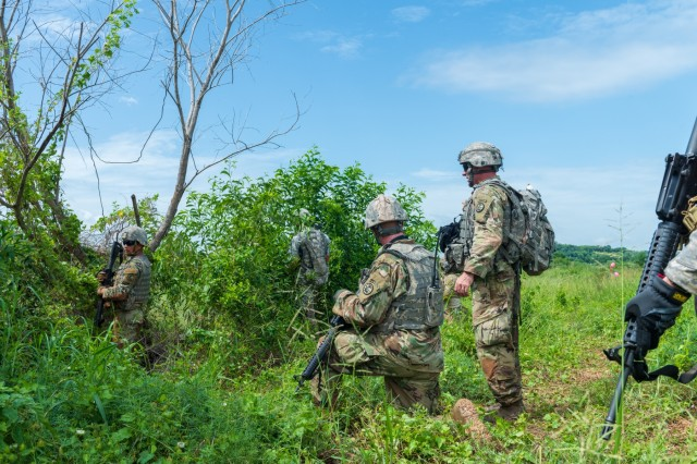 Idaho Army National Guard and Montana Army National Guard Soldiers from the 116th Cavalry Brigade Combat Team conduct a live-fire exercise with Royal Thai Army Soldiers at the Cavalry Center in Thailand's Saraburi province Aug. 28, the final Hanuman Guardian 2018 training event for infantry soldiers from both forces.