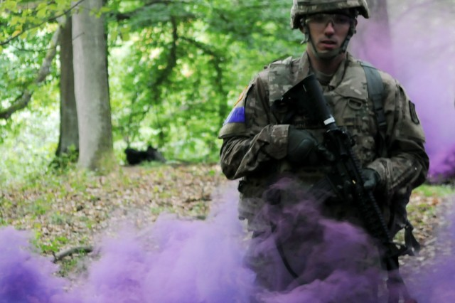 1st Lt. Keith Ammerman, assigned to 557th Medical Company, begins a Tactical Combat Casualty Care exercise for the 2018 21st Theater Sustainment Command Best Medic Competition August 27, 2018 at Baumholder, Germany.The winners of this four day competition will move on to the U.S. Army Best Medic competition held in Texas later this year.#21BMC2018 #FirstInSupport(U.S. Army photo by Sgt. Benjamin Northcutt 21st Theater Sustainment Command)
