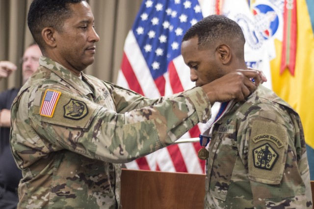 Sgt. 1st Class Mario King receives the Soldier's Medal on Sept. 7, 2018 for his heroism in saving a man from a burning truck.