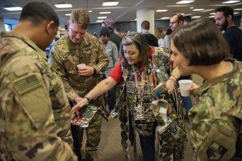 After 1,500 flights, veterans still give deploying Soldiers proper send-off
