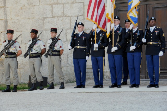 U.S. Army Color Guard, 21st Theater Sustainment Command, and French Guard of Honor, 1st French Division, render honors during a remembrance ceremony Sept. 7, 2018 in Besancon, France. The ceremony was to honor all the soldiers that gave their lives to liberate Besancon from German occupation during World War II. (U.S. Army photo by Sgt. Benjamin Northcutt, 21st Theater Sustainment Command) #FirstInSupport #StrongEurope