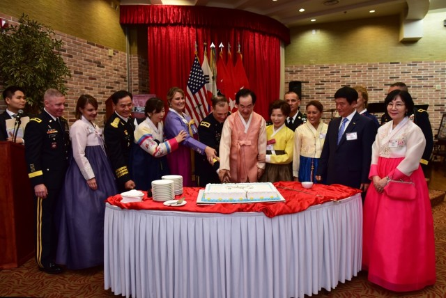 2ID Hosts Final Camp Red Cloud Chuseok Reception