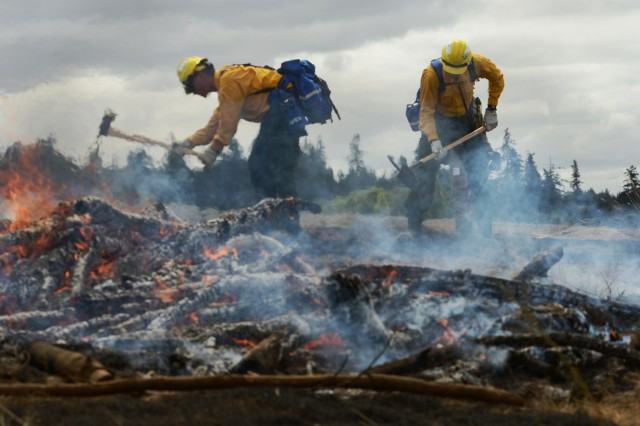 Oregon National Guard Soldiers and Airmen practice wildland firefighting during a field training exercise at the Oregon Department of Public Safety Standards and Training (DPSST) in Salem, Oregon, August 3, 2018. Nearly 200 Citizen-Soldiers were called-up for the second iteration of Oregon National Guard personnel to help support the efforts of wildland firefighters around the state. 200 members of the Guard were previously trained in July at Camp Rilea near Warrenton, Oregon, and were dispatched to the Garner Complex Fire. The training at DPSST covers a wide variety of topics including safety considerations, deploying fire shelters, hand tool work, hoses, how to assess and mitigate hot spots, protecting structures and understanding fire behavior.