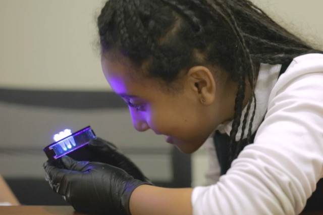 The kit includes extra modules that let students design their own experiments for detecting DNA from a variety of organisms, even themselves, without the need for expensive lab equipment.