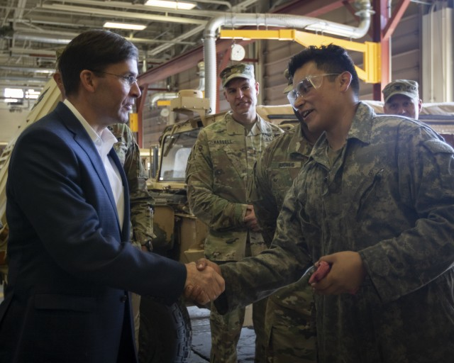 SecArmy visits Mountain Post, speaks with Soldiers