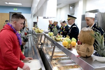 Fort Wainwright hosts Thanksgiving feast