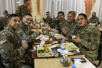 Tennessee Guard members celebrate Thanksgiving with multinational Servicemembers