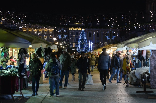 Too early for Christmas? Too bad! In this courtesy photo from the 2017 Christmas market in Krakow, Poland, tourists shop for Christmas and winter goods in the town square. In this week's Chaplain's Corner, Chaplain (Capt.) Christy Marshall, chaplain for 1st Battalion, 46th Infantry Regiment, draws focus to what truly matters in life during the forthcoming holiday season. (U.S. Army photo by Bryan Gatchell, Maneuver Center of Excellence, Fort Benning Public Affairs)