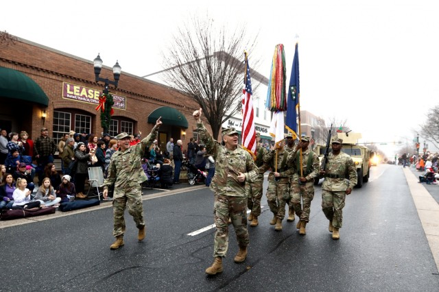 20th CBRNE Soldiers bring smiles to young and not-so-young during Christmas Parade
