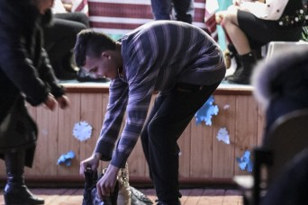 Tennessee Guardsmen revisit local orphanage to celebrate traditional Ukrainian holiday