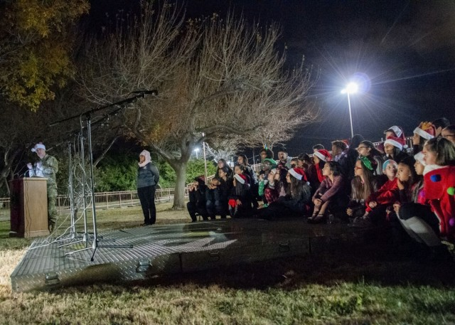 Holiday tree lighting marks welcome of holidays at WBAMC