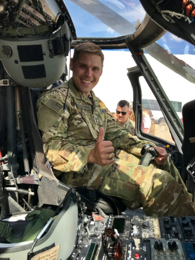 Black Hawk helicopter pilot interns with Army researchers