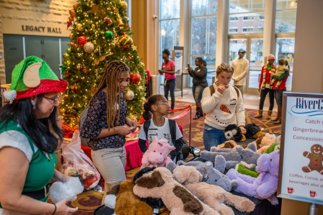COLUMBUS, Ga. (Dec. 19, 2018) - Gold Star Families attend the Fort Benning Gold Star Holiday Event at the River Center for the Performing Arts in Columbus, Georgia, Dec. 15. The annual event serves as a reminder that Fort Benning remains committed to taking care of the Family members of service members who have passed away. (U.S. Army photo by Patrick Albright, Maneuver Center of Excellence, Fort Benning Public Affairs)