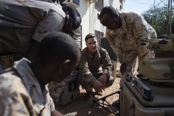 Information exchange prepares Djiboutian Soldiers for deployment to Somalia
