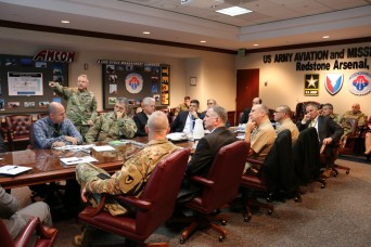 Army Aviation leadership examines sustainment model with Navy