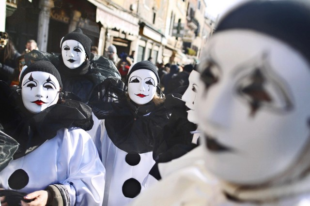 Join Outdoor Recreation as they go to Carnevale in Venice for an evening.