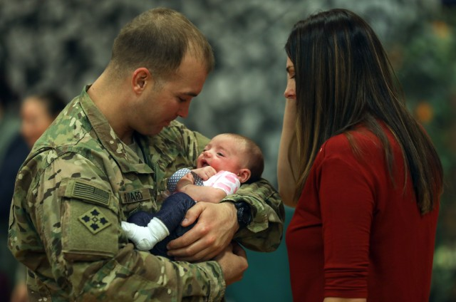 Army offers more flexibility with new parental leave policy
