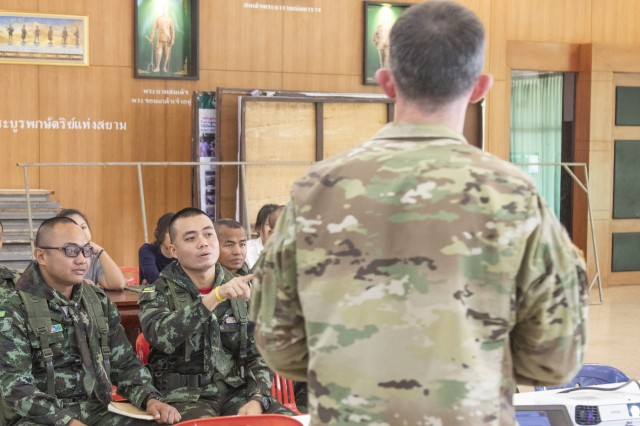 U.S., Thai Soldiers exchange knowledge on military force structure