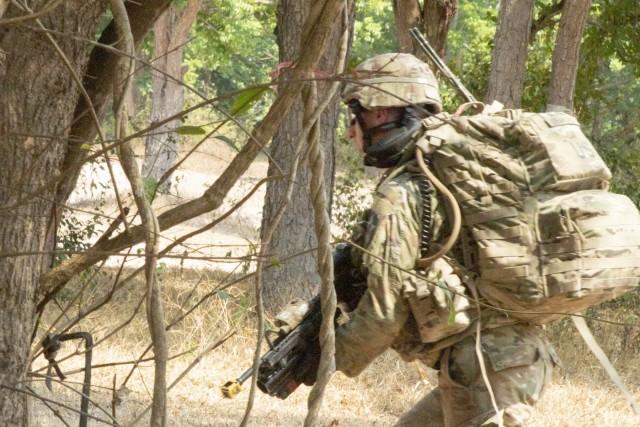 US, Thai Soldiers partner to hone their squad-level tactics