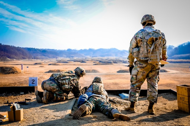 4th Battalion, 1st Field Artillery Regiment, 3rd Armored Brigade Combat Team, 1st Armored Division prepare to qualify on M240/249 Montana Range in South Korea. Jan 25