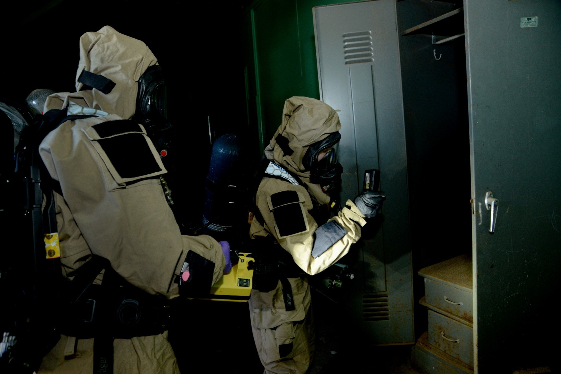 National Guardsmen confront chemical attacks during Bay ...