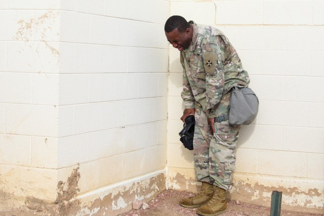 Gas, Gas, Gas - Soldier gain confidence in gas chamber