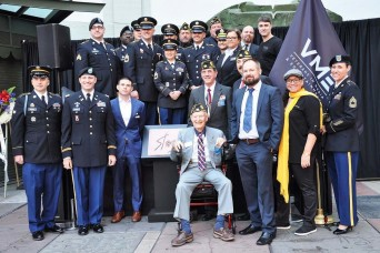 Military members pay tribute to Marvel comic book legend, Army veteran in Hollywood