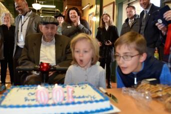 D-Day veteran celebrates 100th B-Day with JBLM