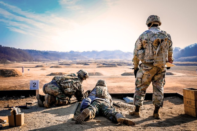 Soldiers with 3rd Armored Brigade Combat Team, 1st Armored Division, prepare to qualify on the M240 and M249 in South Korea, Jan. 25, 2019.
