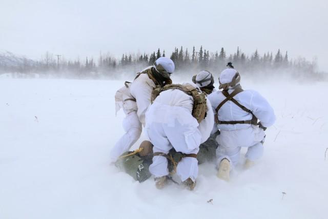 MEDEVAC training in Arctic conditions
