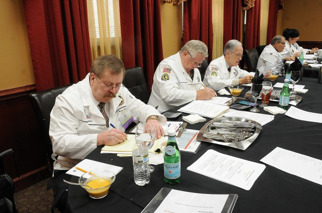 Judges work on top chef critiques