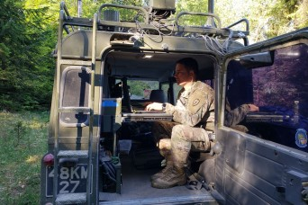 Artificial Intelligence improves Soldiers' electronic warfare user interface