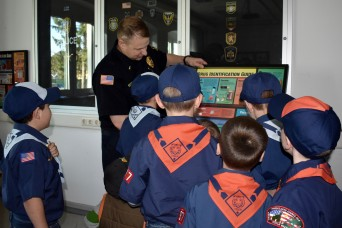 Military Police helps Ansbach scouts earn patch