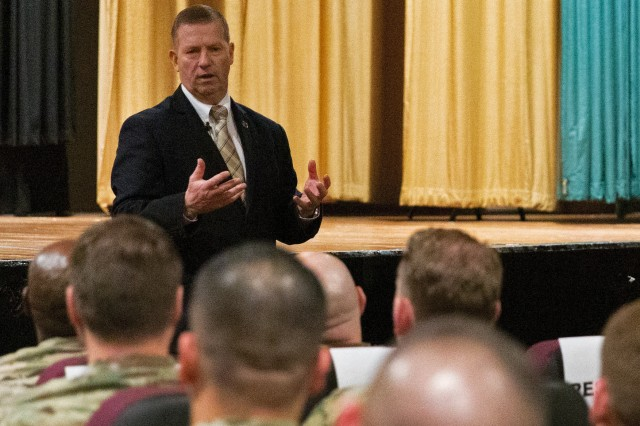 Sgt. Maj. of the Army (Ret.) Kenneth O. Preston discusses leadership and career growth with noncommissioned officers from agencies across the installation during a professional development session hosted by Army Cyber Command at Fort Belvoir, Va., March 20, 2019.