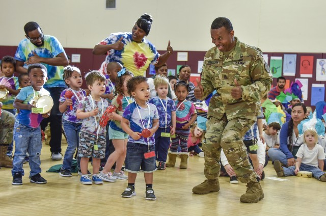 Two thumbs up for military children