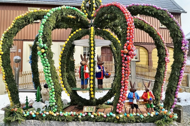 Fountains and wells are decorated for Easter in Franconia and make a popular day trip destination.