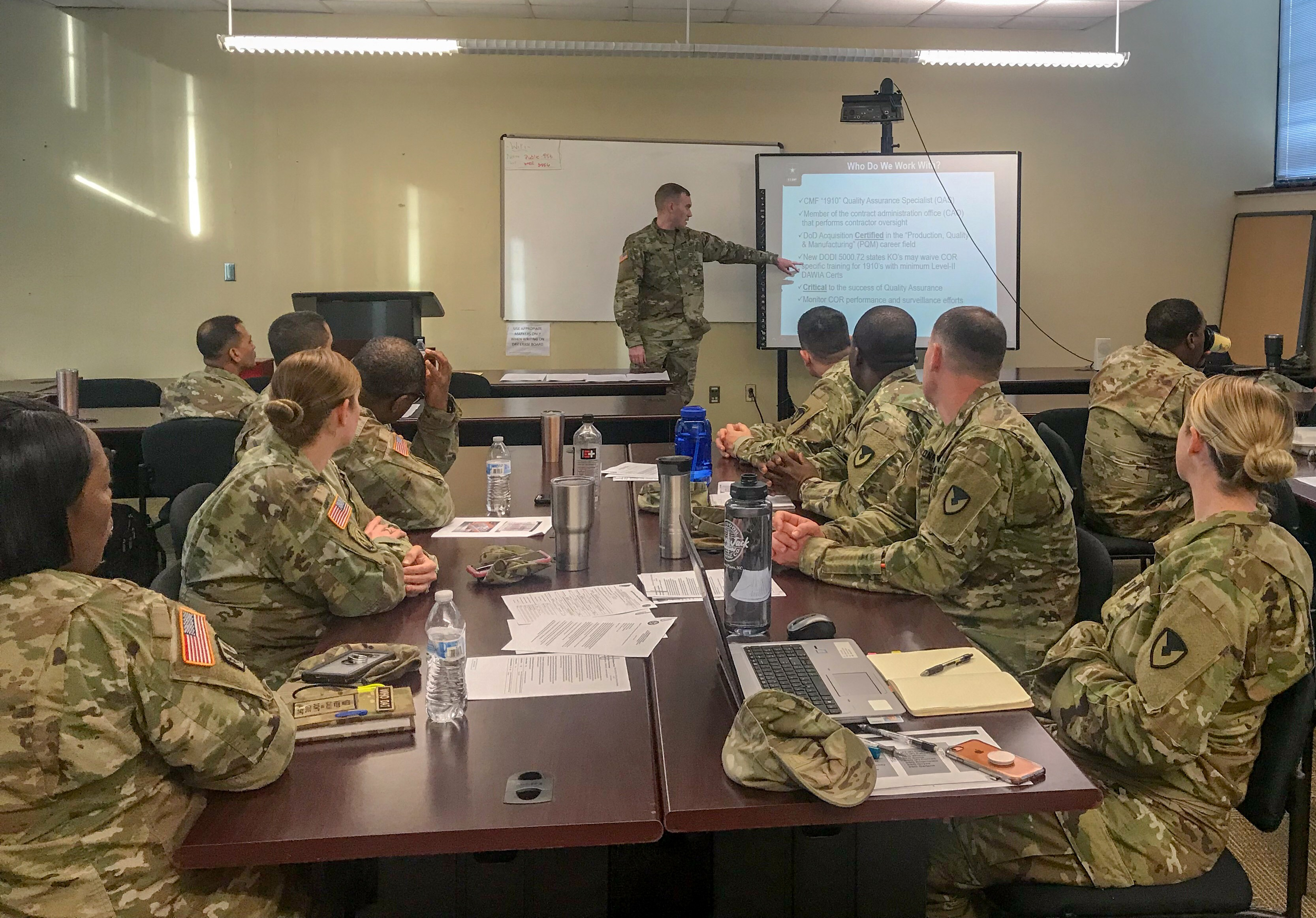 Soldiers sharpen contingency contracting expertise | Article